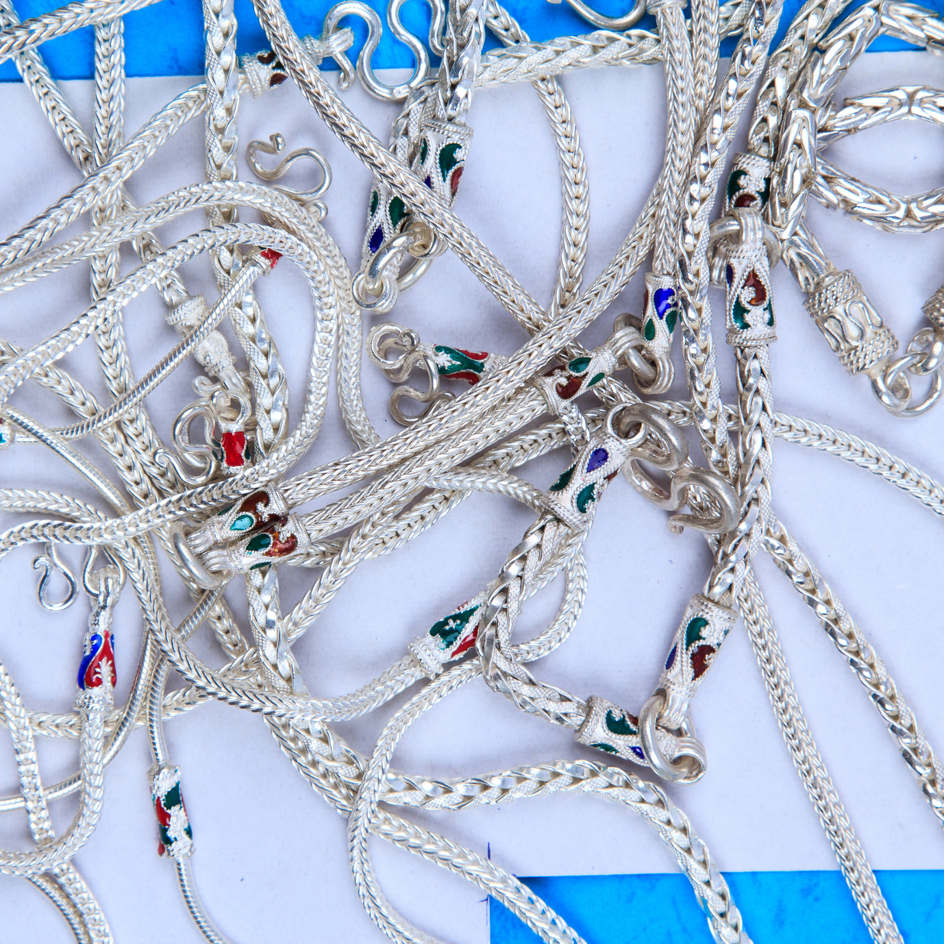 How we got a jewelry store website clicks from social media