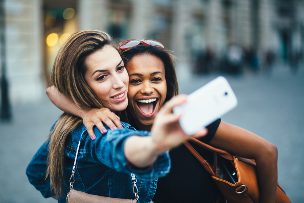 Selfie, Vlogger, Mobile-first, video, cell phone, girls